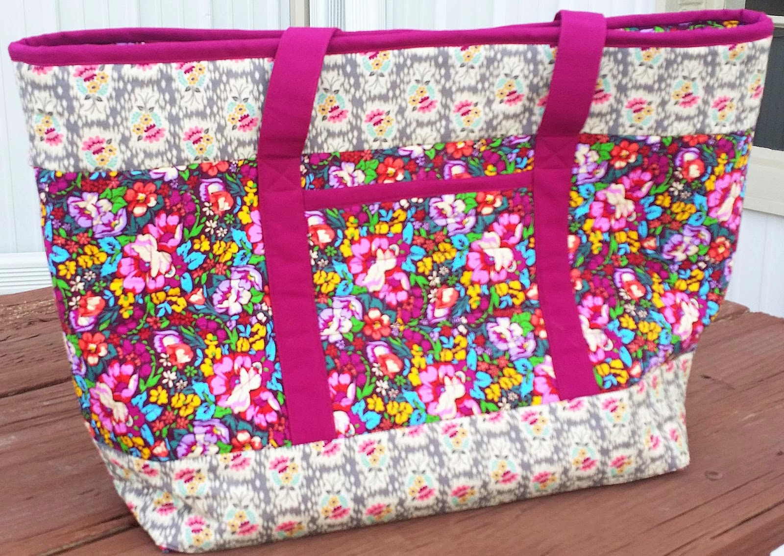 Totally Trendy Tote Patterns by Annie made from Anna Marie Horner fabric