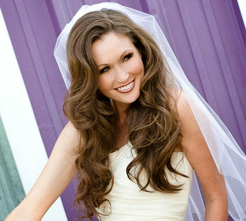wedding hairstyle; simple wedding hairstyle; simple wedding hairstyle idea; wedding hairstyle idea; wedding hairstyle for medium hair; wedding hairstyle for long hair; wedding hairstyle for short hair; wedding hairstyle with crown; wedding hairstyle for round face; curly wedding hairy style