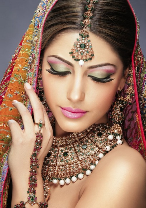 Latest Bridal Make Up With Jewelry Fashion Point