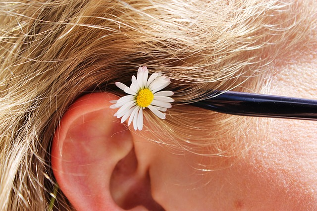 Tips dan Cara Merawat Telinga yang Benar