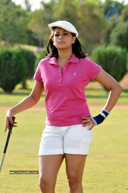 Nadeesha Hemamali Hot