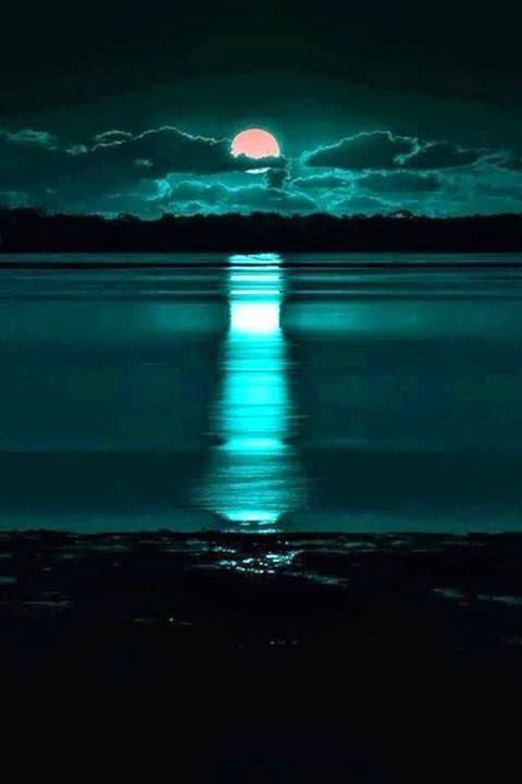 Stunning Moon Light On Water Reflection