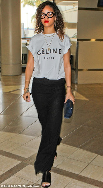 Rihanna's geek look