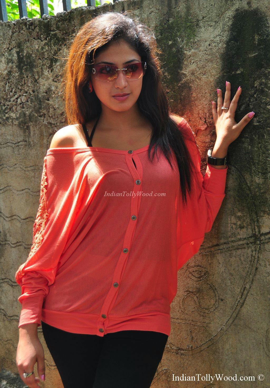 Kelly Mayer Dale Hot Haripriya spicy stills-actress