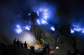 blue fire, blue fire ijen, paket wisata bromo ijen, bromo ijen tour