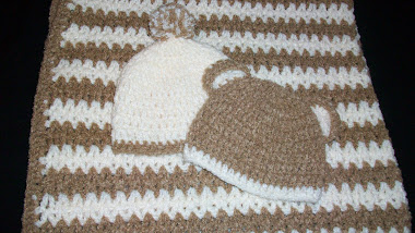Hugs for baby blanket with hats