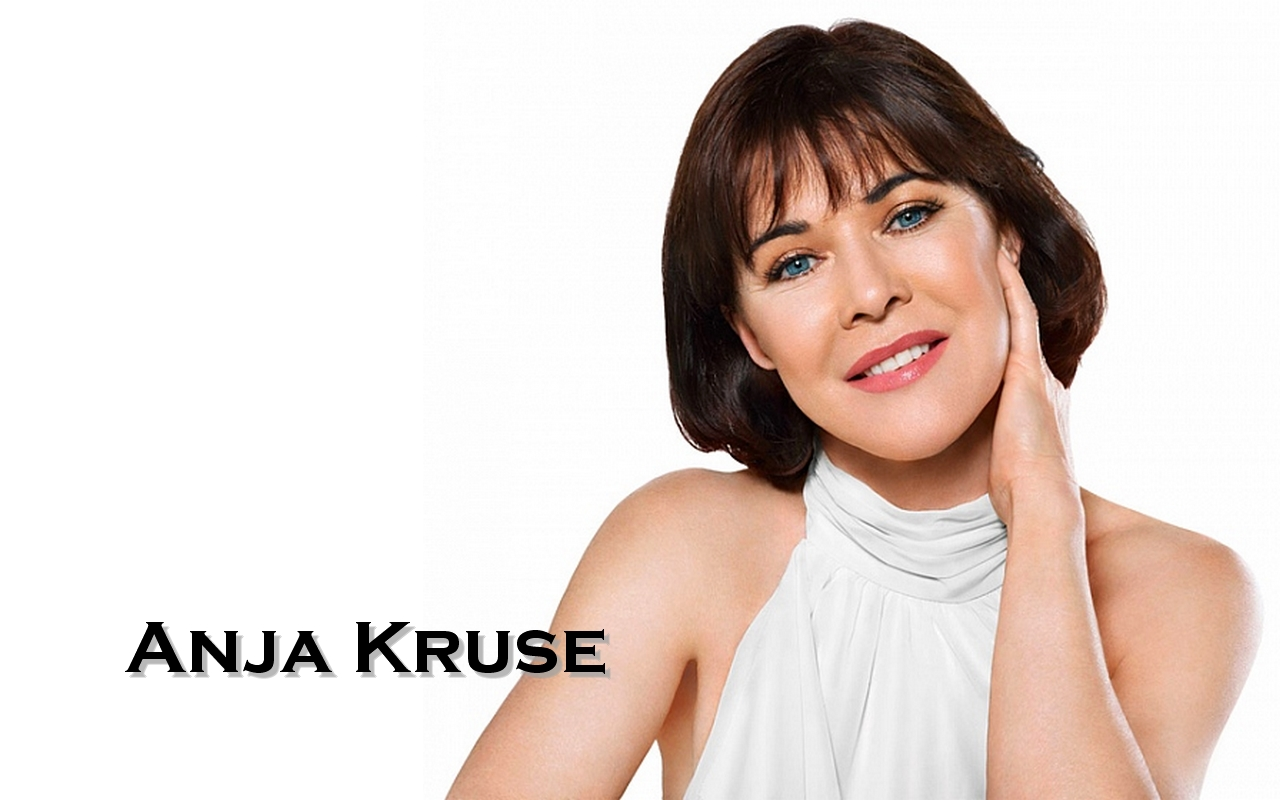 Anja Kruse Wallpaper