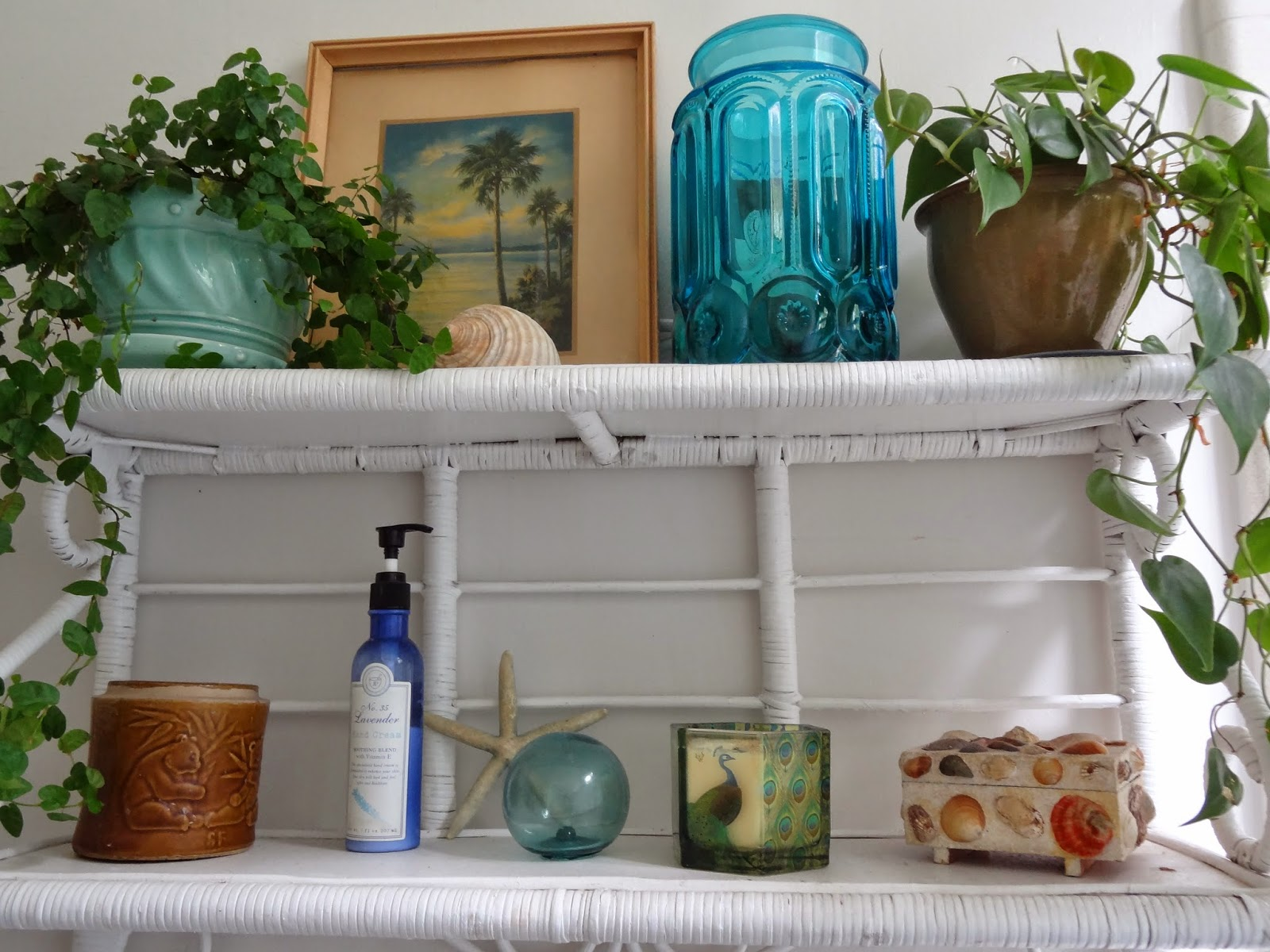 Bohemian-Bathroom-Shelves
