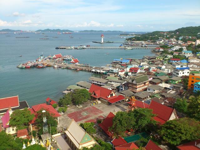 Остров Ко Си Чанг (Koh Si Chang), расположен в 30 км от Паттайи
