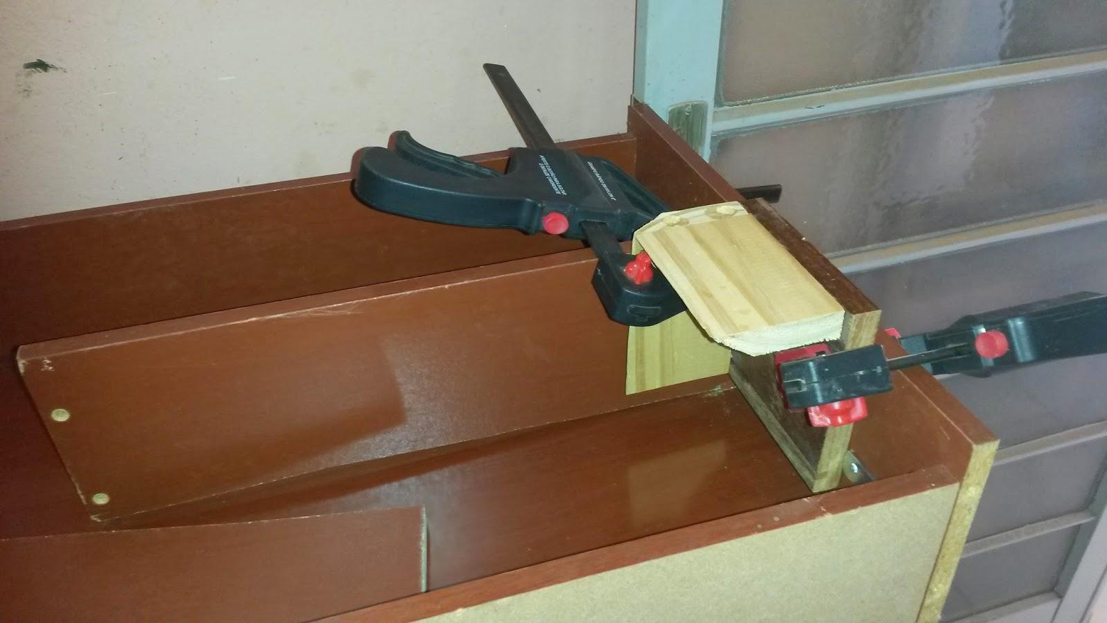 do Quintal: Como fazer um armário de ferramentas usando gavetas #6B3F24 1600x900