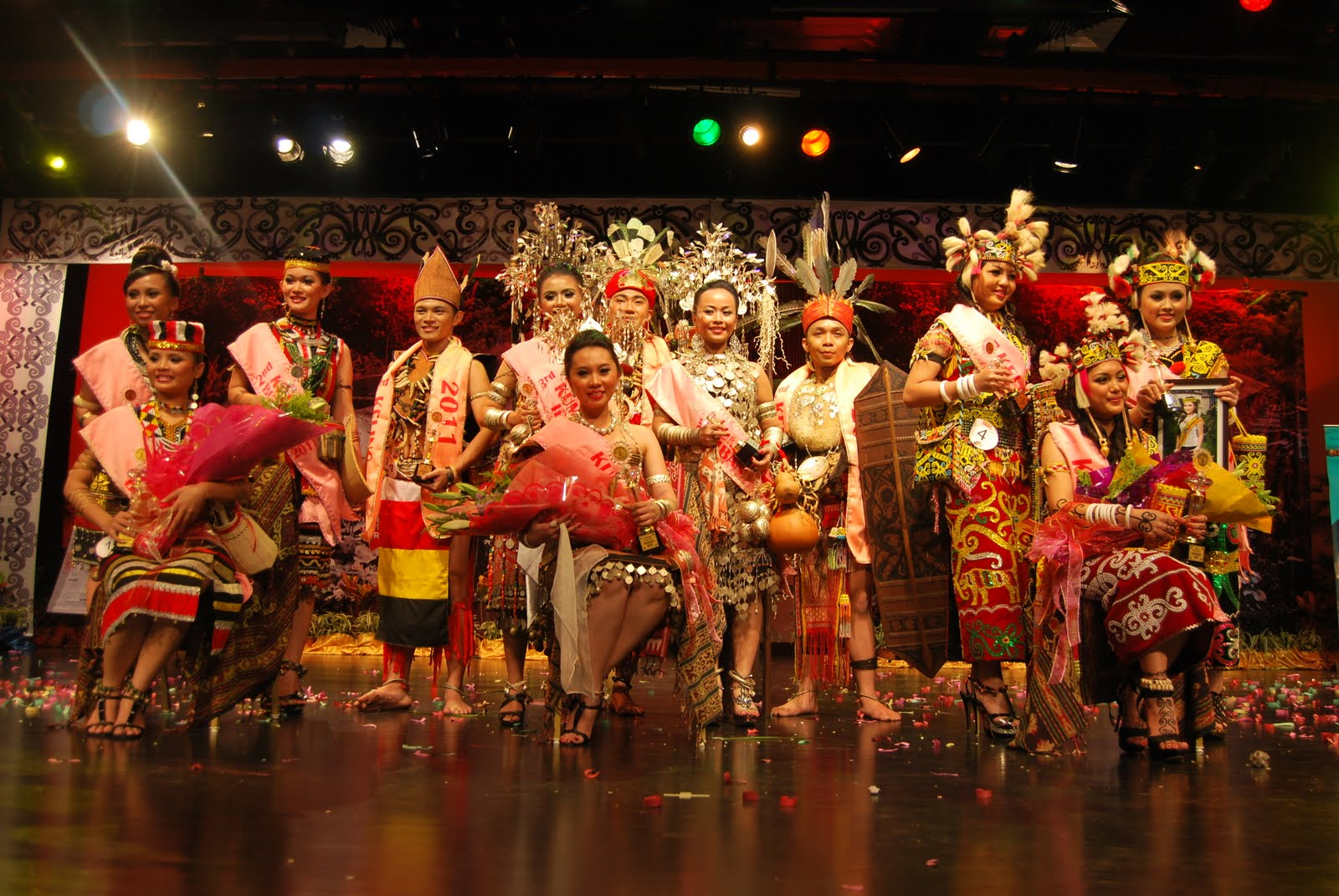 iban festival Today, the headhunting days of the ibans are long gone modernisation has come to iban culture the ibans have nevertheless succeeded in preserving many tribal customs, rituals and traditional beliefs.