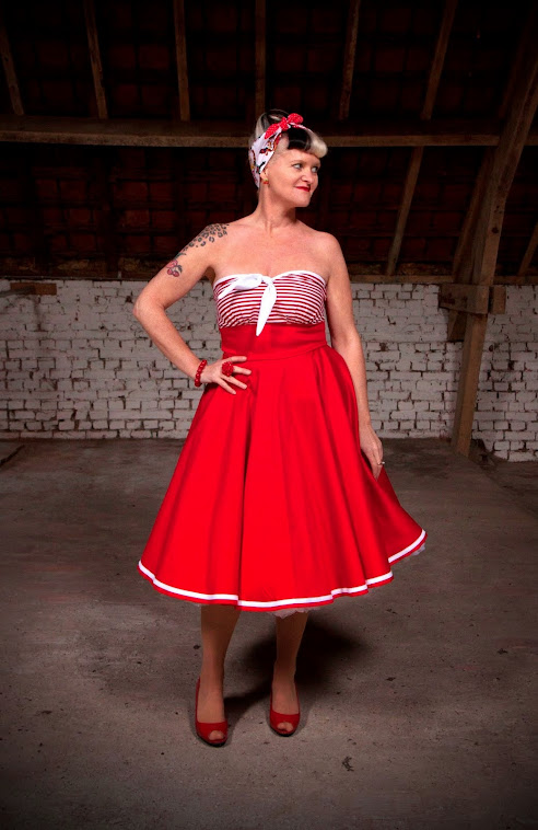 Red sailor ahoy pin-up swingdress