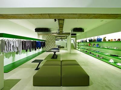 Interior Toko Pakaian Yang Fresh 2