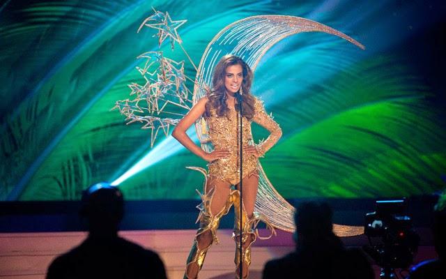 miss singapur traje tipico ridiculo universo 2015 2016