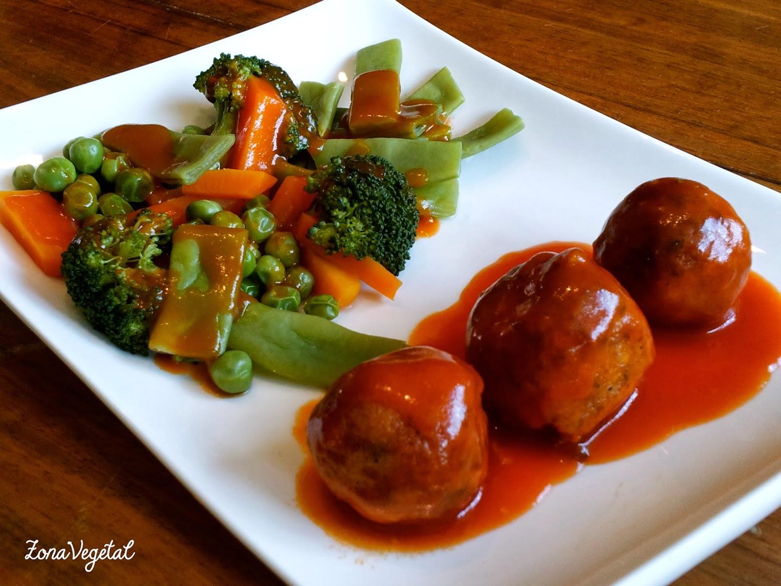 Zonavegetal alb ndigas de soja con verduras y salsa de - Albondigas de verdura ...