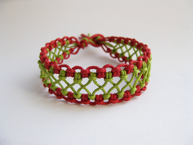 Macrame Bracelet Instructions
