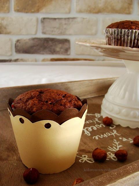 muffinki z orzechamami