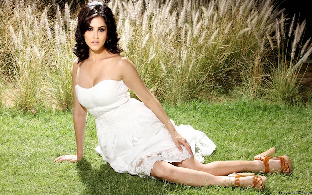 Sunny Leone HD Wallpapers Sexy Porn Star Cum Bollywood Actress Non Nude Seductive HD Wallpapers