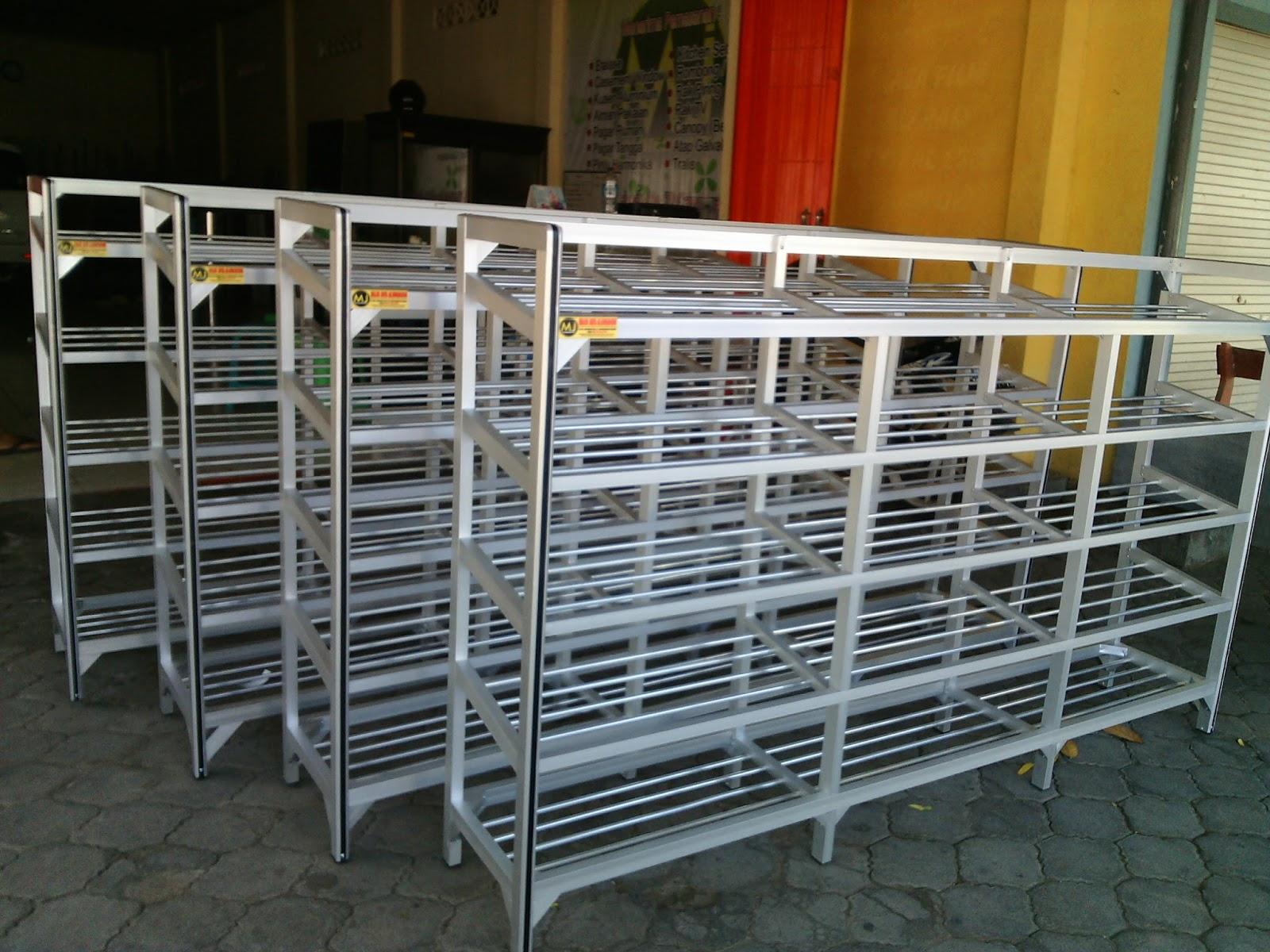 rak sepatu aluminium: Maju jaya aluminium amp las kediri rak sepatu aluminium muat 40