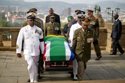 ZA SAFARI YA MWISHO YA NELSON MANDELA (MADIBA) TAREHE 15 DISEMBA, 2013