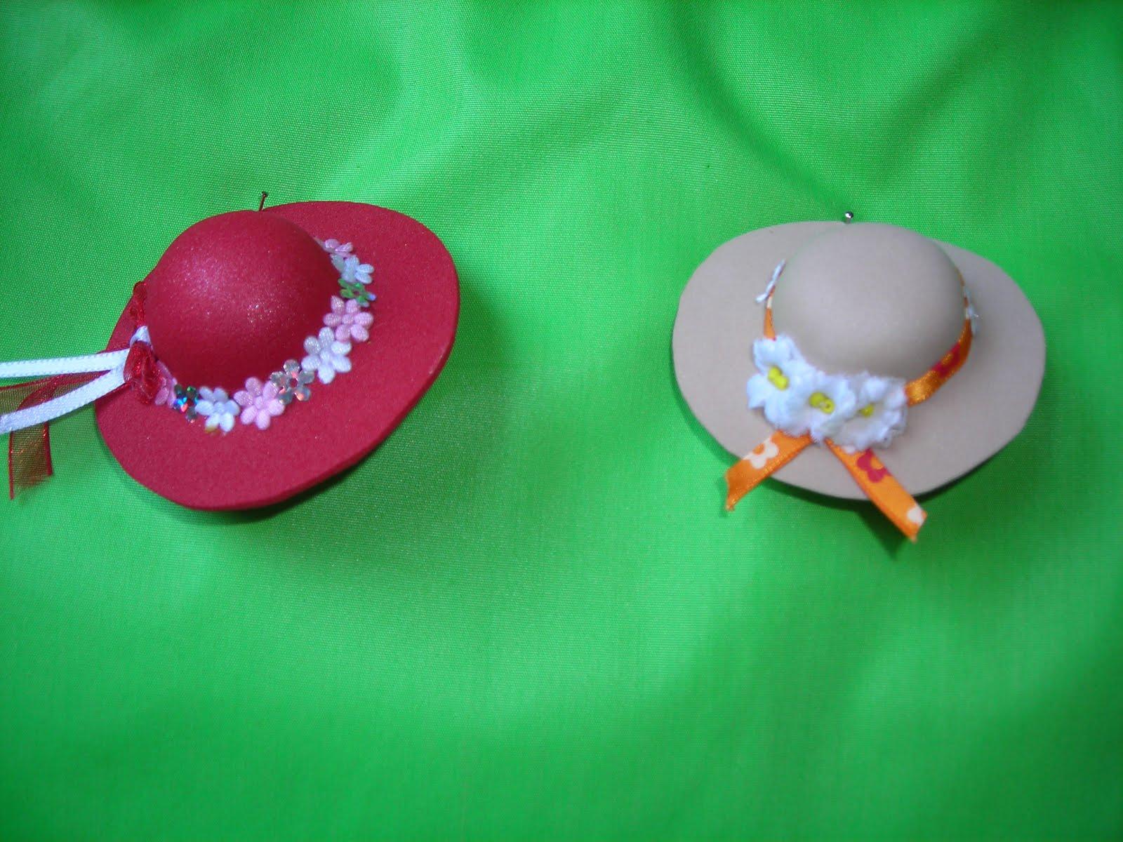 pequeas cosas brochessombreros de goma eva para este verano