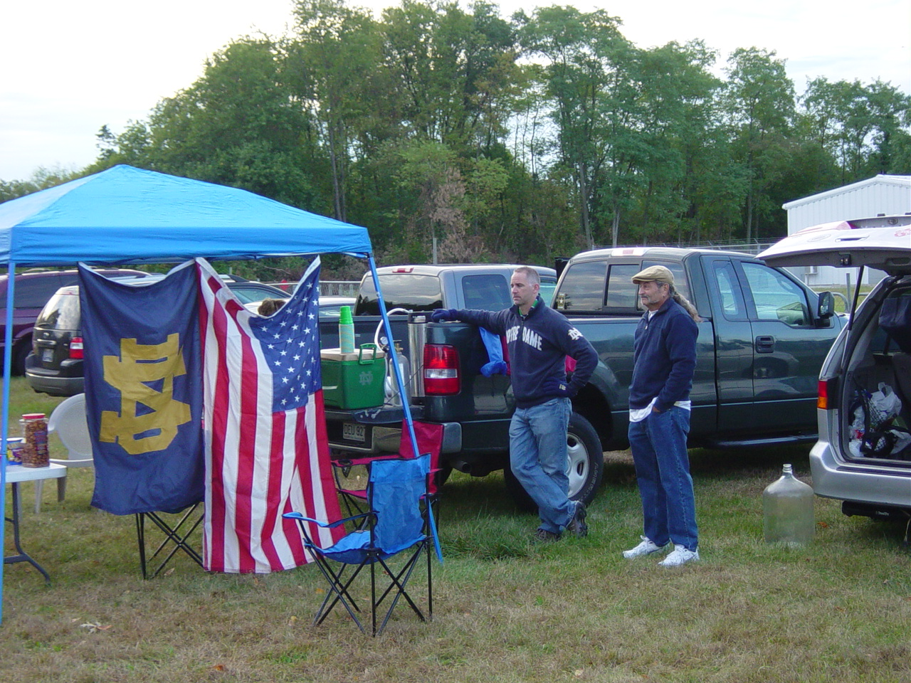 Here are a few pictures. & Notre Dame Subway Alumni Station: Notre Dame vs MSU Tailgating ...