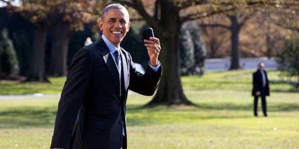 Obama Ternyata Masih Setia dengan BlackBerry
