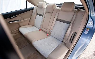 2012 Toyota Camry Hybrid Interior