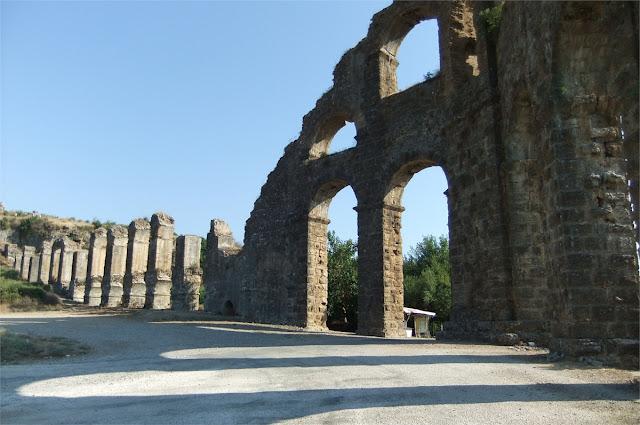 Acueducto de Aspendos