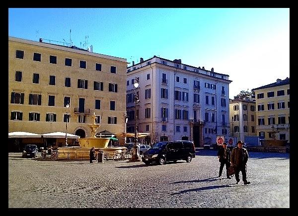 Piazza Farnese w Rzymie