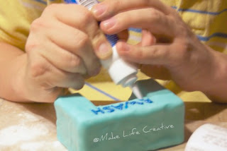 how to make a dove out of fondant