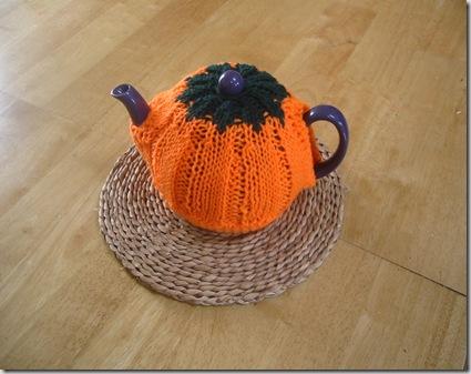 Грелка на чайник тыква