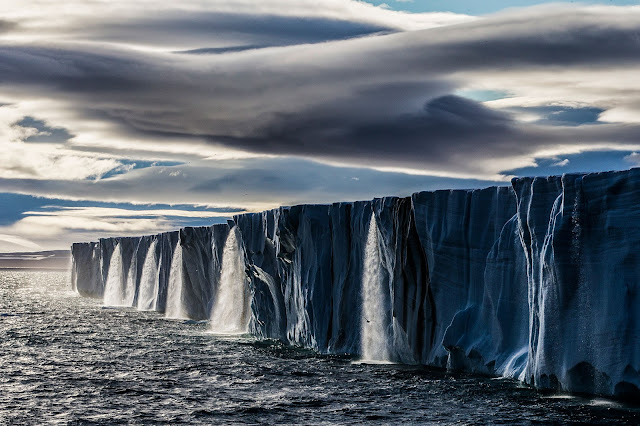 Top 30 Most Beautiful and Eye-capturing Earth Photographs of 2015