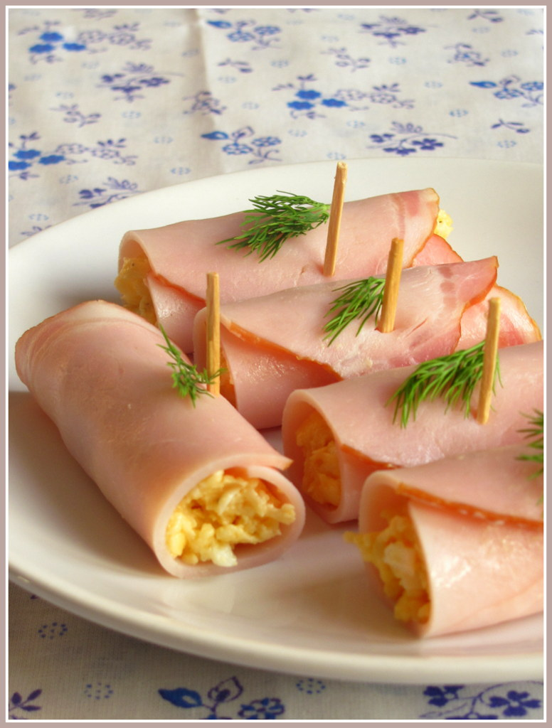Рулетики ветчина с сыром и чесноком с фото пошагово