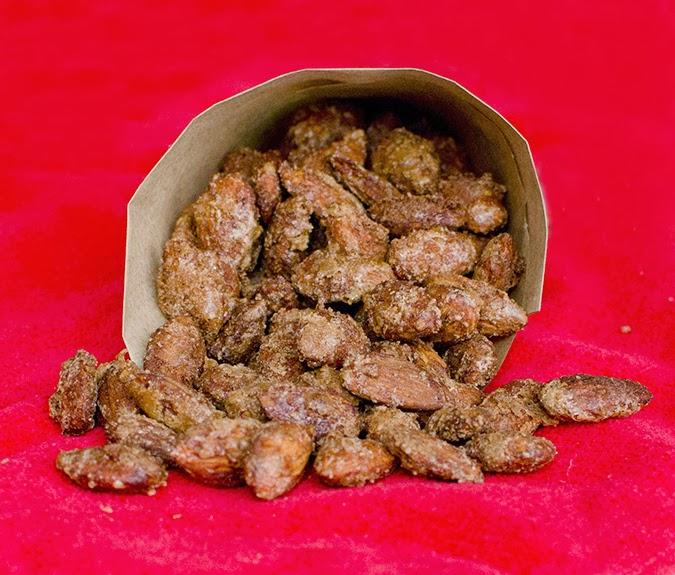 cinnamon roasted almonds: 12 weeks of christmas treats (week 12)