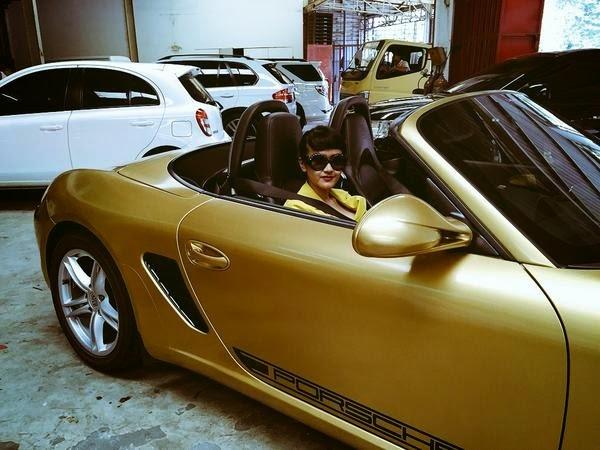 Escandalo Mobil Porsche nan Mewah Milik Jupe (Julia Perez)