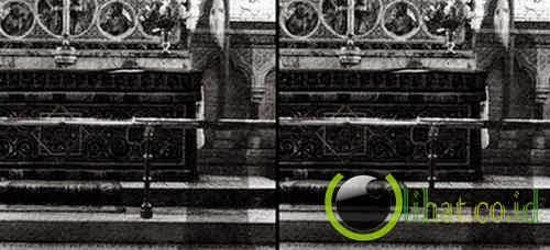 Hantu biarawan setinggi 270 cm