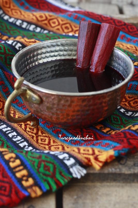 Sok z buraka i czarnej marchwi / Şalgam suyu