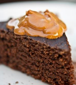 Slow Cooker Chocolate Peanut Butter Cake