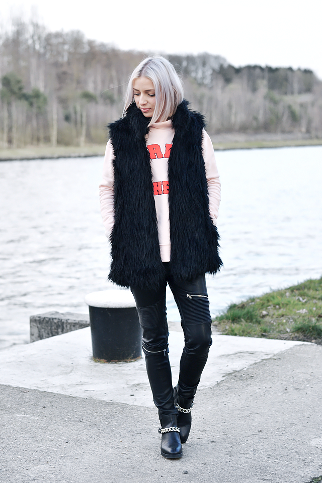 Fashion blogger, belgium, streetstyle, inspiration, how to wear, leather