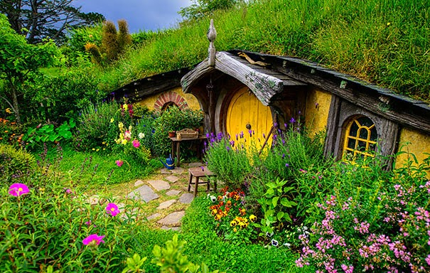 magical-fairy-tale-houses-dreamlike-architecture-6