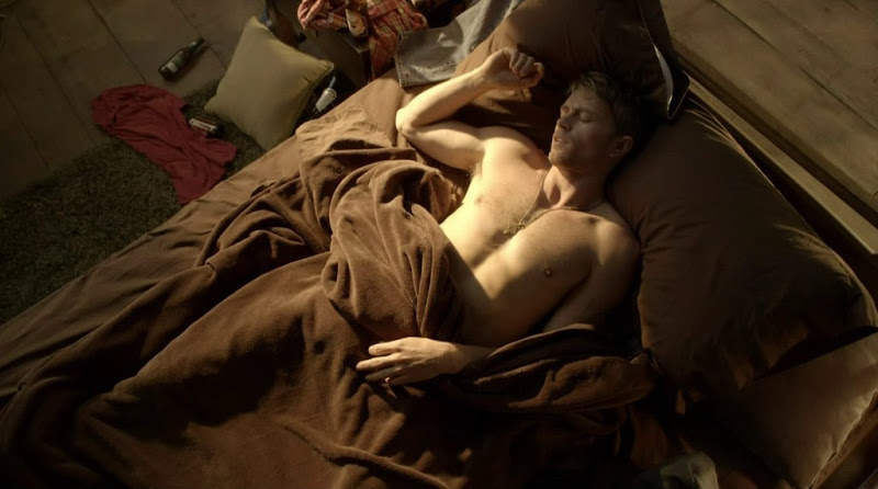 Wilson Bethel Shirtless in Hart of Dixie s1e19