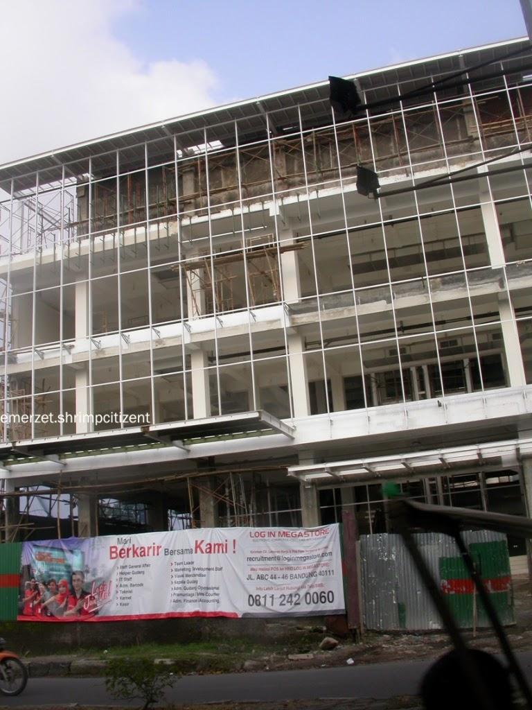 Log in Megastore jl. Dr. Cipto Mangunkusumo Cirebon