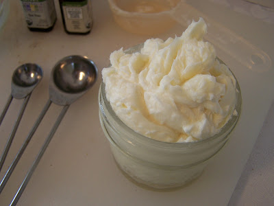 AmAzInG Homemade Peppermint Foot Cream