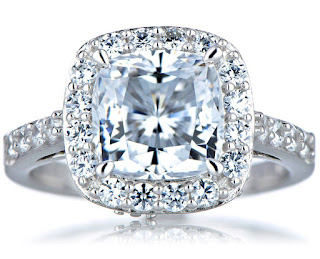 select to go shopping for cushion cut engagement rings online since they have photos in which you can notice and pick.
