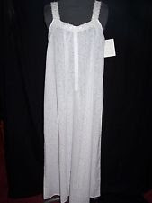 white gown@northmanspartyvamps.com