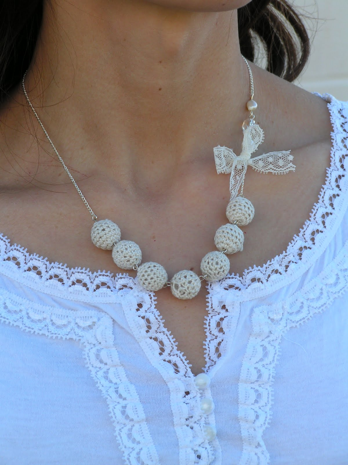 Crocheting Necklaces With Beads : Tea Rose Home: Crochet Beads Necklace