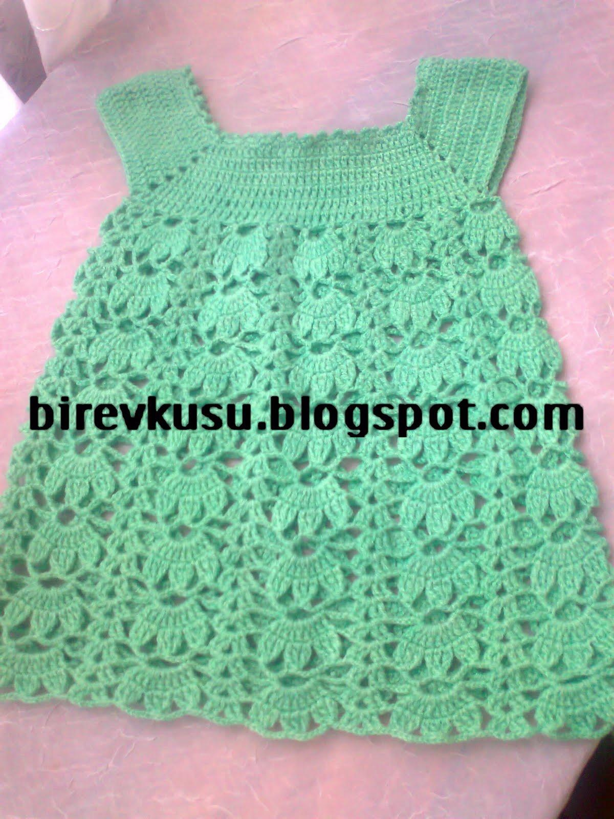 Tığ İşi Bebek Örgü Yeşil Elbise