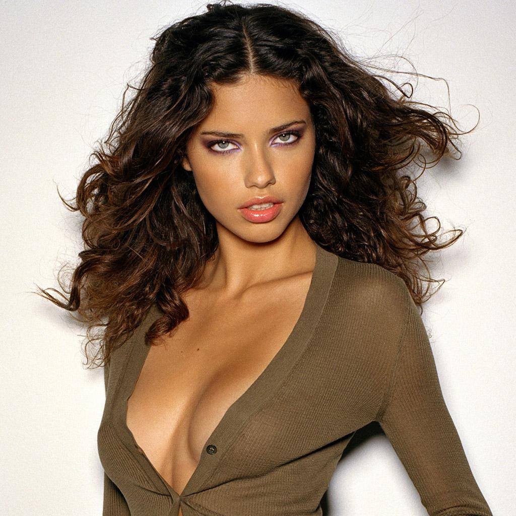 http://2.bp.blogspot.com/-8N3QA36er-0/T2mwoGQ6GWI/AAAAAAAAAlo/LAMBXyyvOVY/s1600/female-celebrities-free-wallpapers020-adriana-lima.jpg