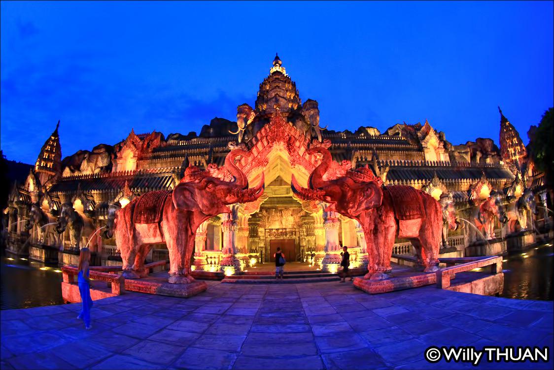The Phuket Fantasea Show - Phuket 101